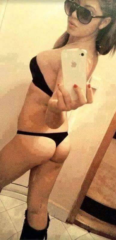 Angele from Howe, Texas is looking for adult webcam chat