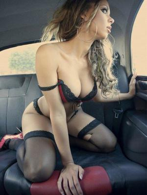 Aura from Belle Haven, Virginia is looking for adult webcam chat
