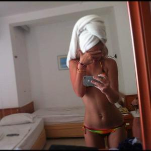Marica from Suquamish, Washington is looking for adult webcam chat