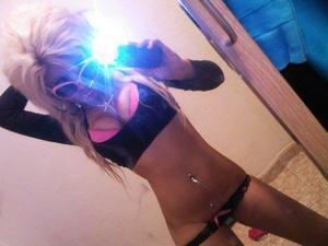 Looking for local cheaters? Take Ivonne from Hawarden, Iowa home with you
