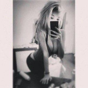 Claudie from Federal Way, Washington is looking for adult webcam chat